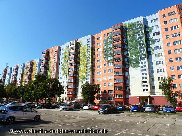 berlin, wandbild, graffiti, wandmalerei, plattenbau, lichtenberg