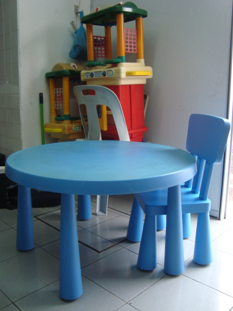 kedai bundle toys thetottoys ikea mammut table and chair. Black Bedroom Furniture Sets. Home Design Ideas