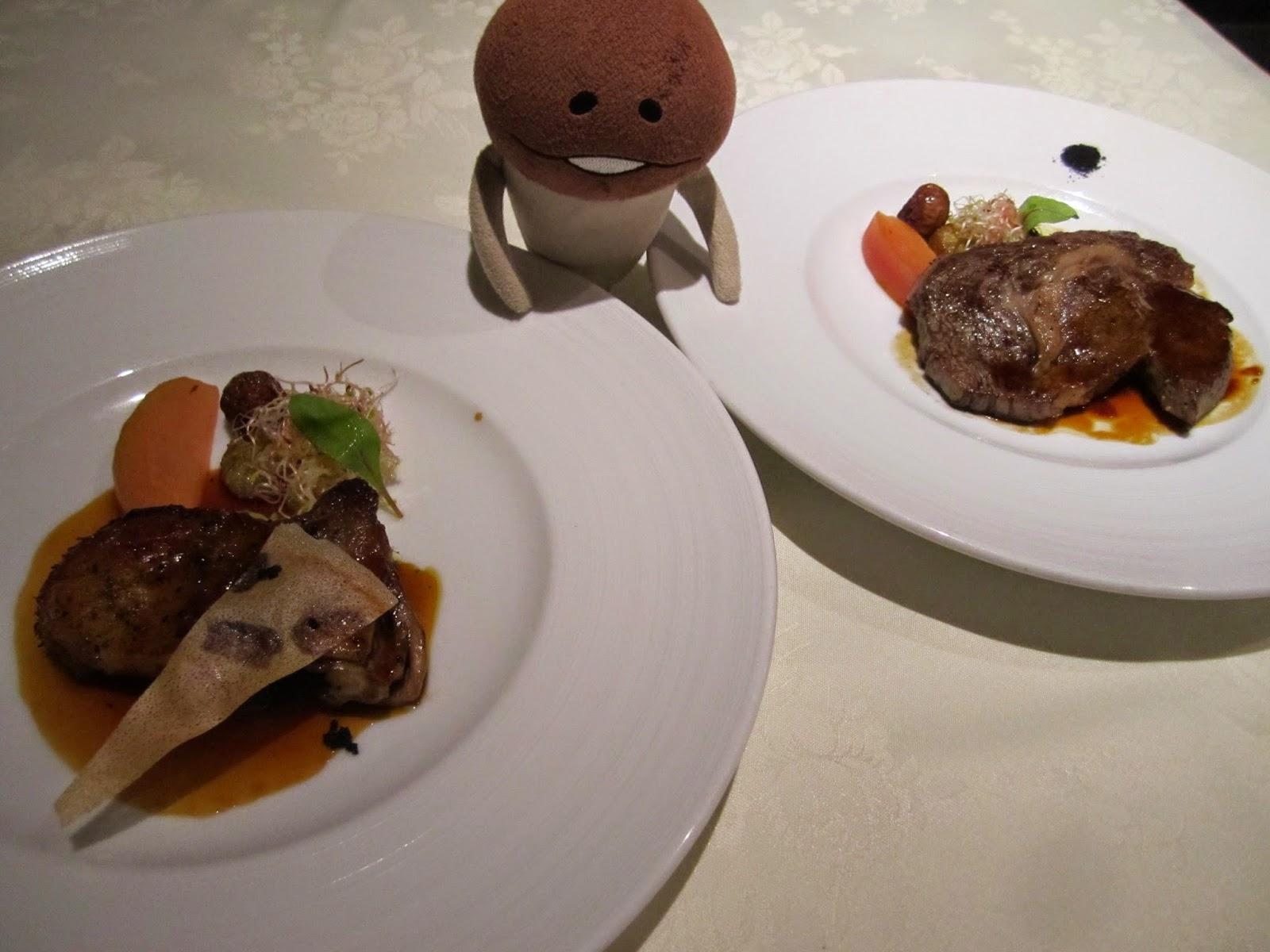 Hotel Neuschloss Otaru Blau Kuste duck confit with vinegar and red wine sauce Wagyu filet steak (120g)
