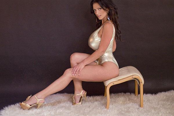 Denise Milani HD Wallpaper -05