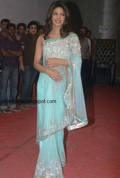 Priyanka Chopra - Stránka 3 Priyanka+chopra+saree+3