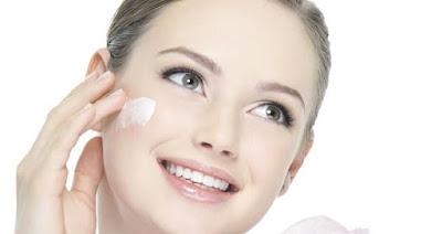 حلول متنوعة بماء الورد لبشرة الوجه