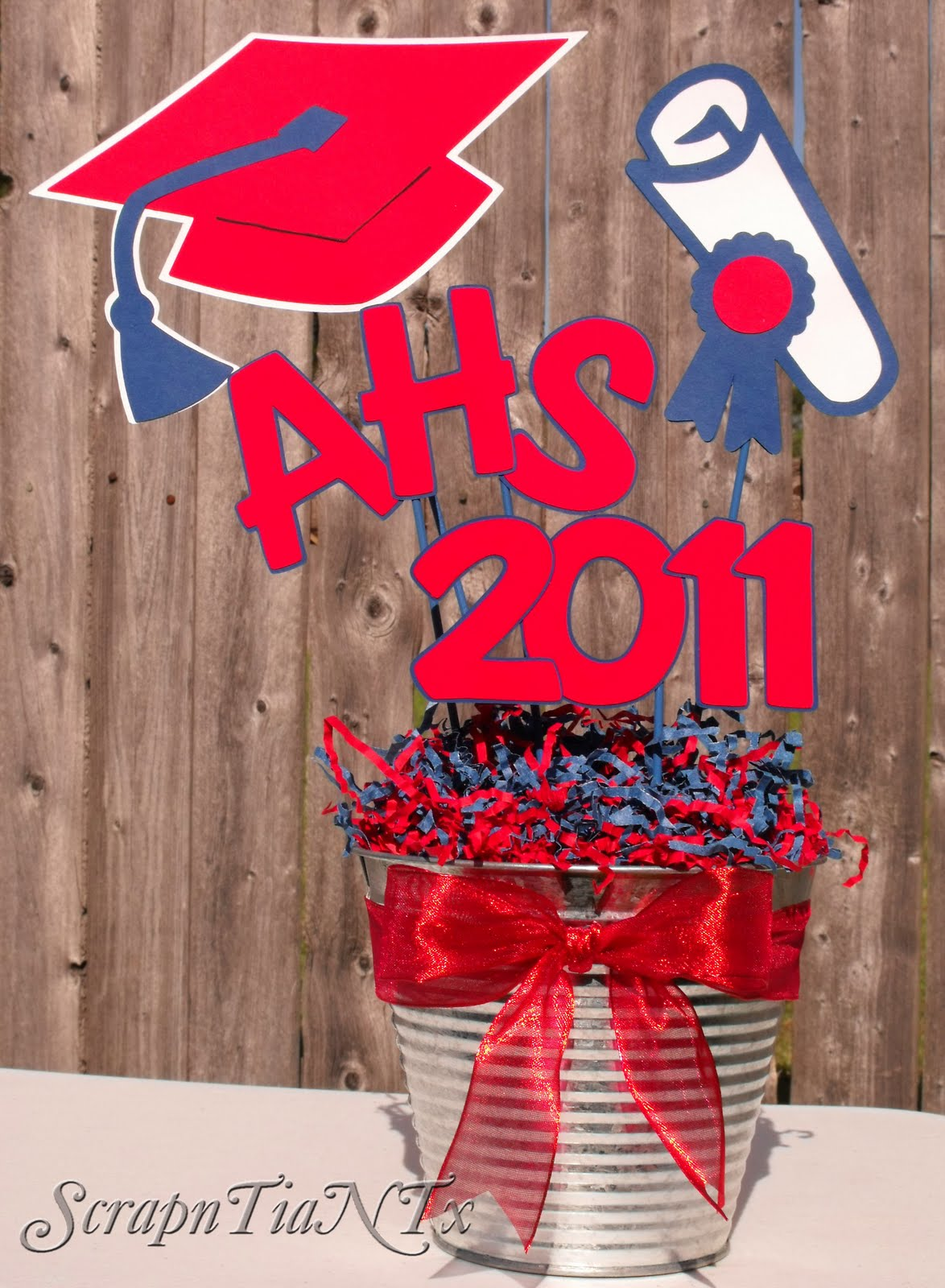 Homemade table decorations for graduation photograph homem