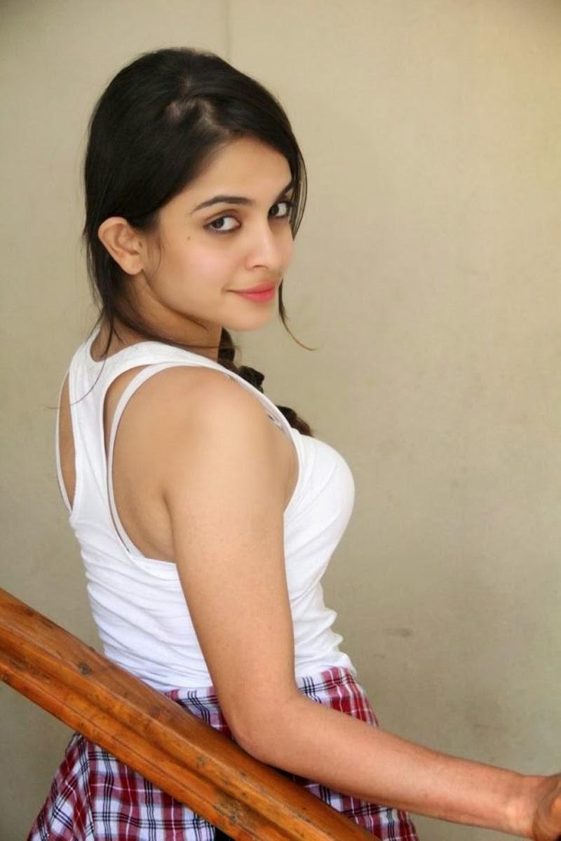 Sheena Shahabadi white top hot images