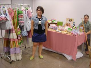 Pues sí, monté un stand en el showroom de la Escuela de CEADE. Lo llene todo de paja, accesorios campestres típicos de España y lo más importante