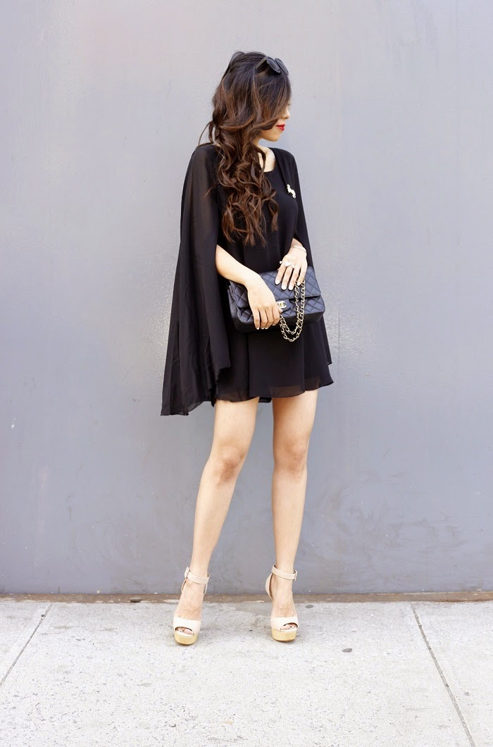 cape dress, chanel bag, girl, fashion blog, kendra scott rachel double ring, chanel brooch, chicwish cape dress