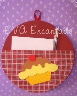 http://fofuchasevacia.blogspot.com.es/2012/01/porta-recado-cupkake.html