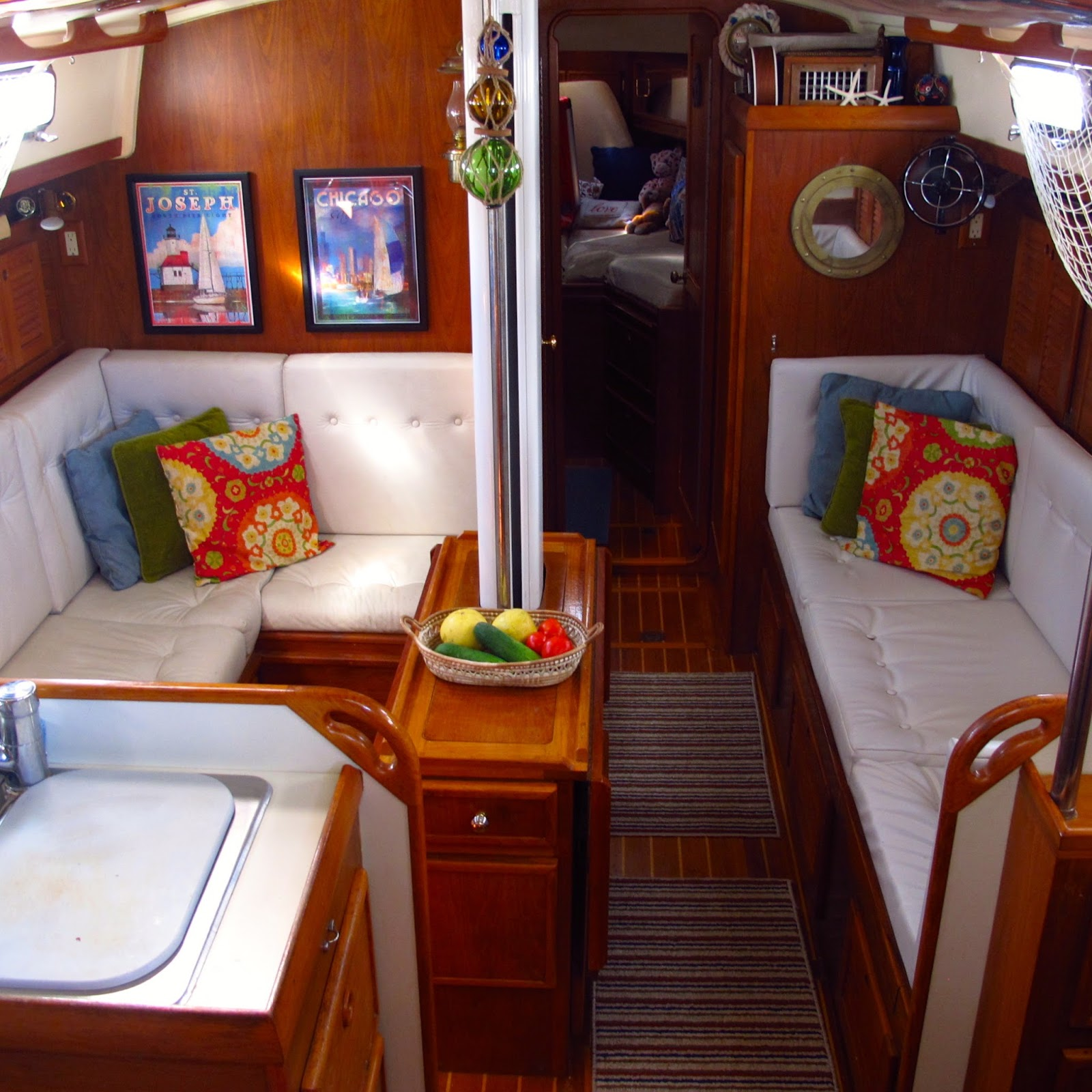Windtraveler making a boat a home the art of decorating for Decoration yacht