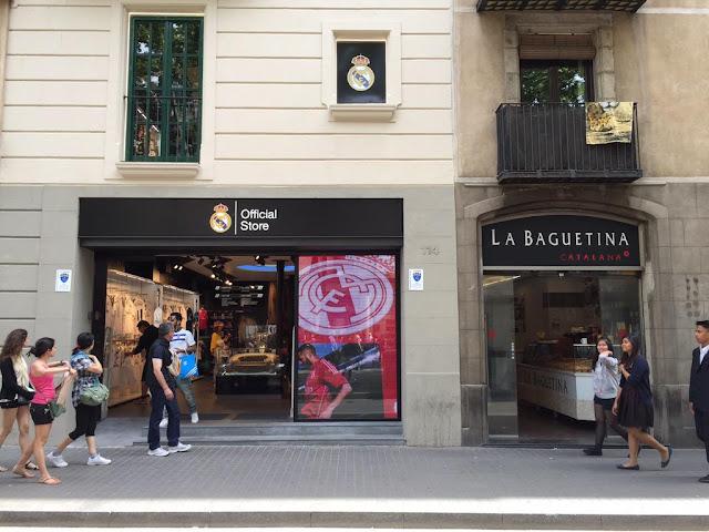 Florentino mosquea al Barça con una tienda en pleno Barcelona