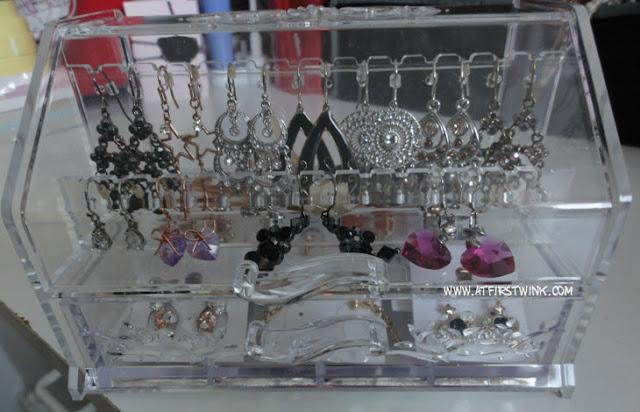 acrylic earring case