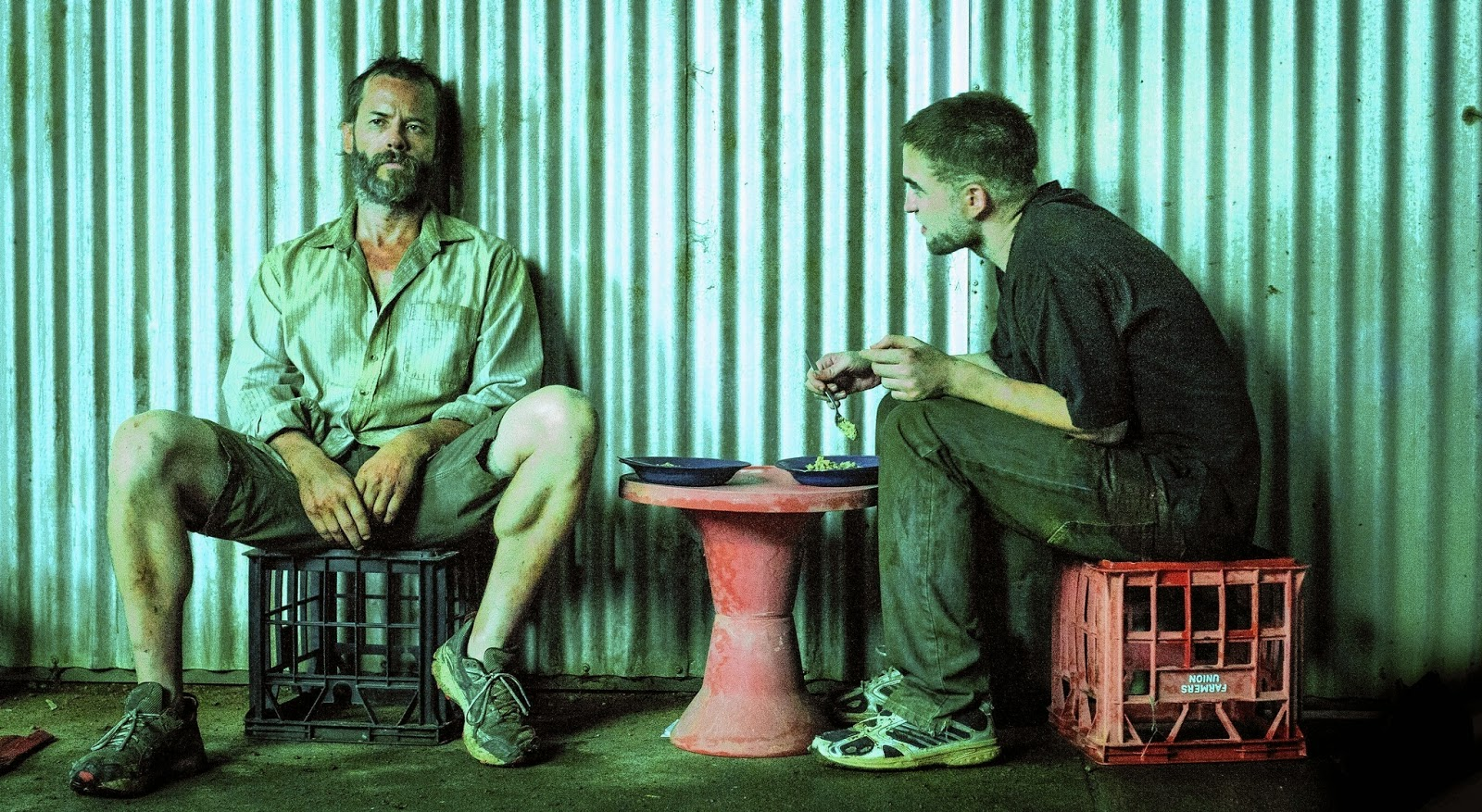 The Rover (2014): Pearce & Pattinson