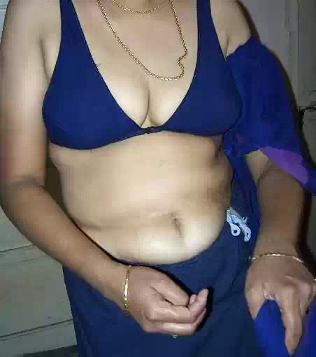 ramila aunty blouse stripping and showing big boobs before sex   nudesibhabhi.com