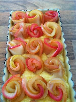 """alt=tarte aux pommes bouquet de roses"""""""