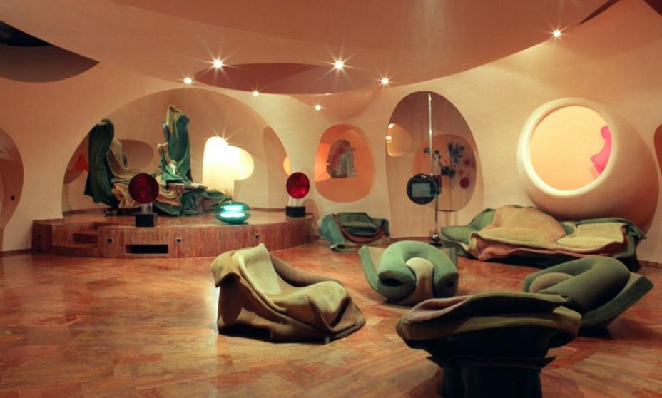 What makes us pierre cardin s bubble house for Maison en bulle