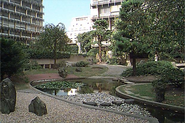 Jun takita projets fran ais for Entretien jardin versailles
