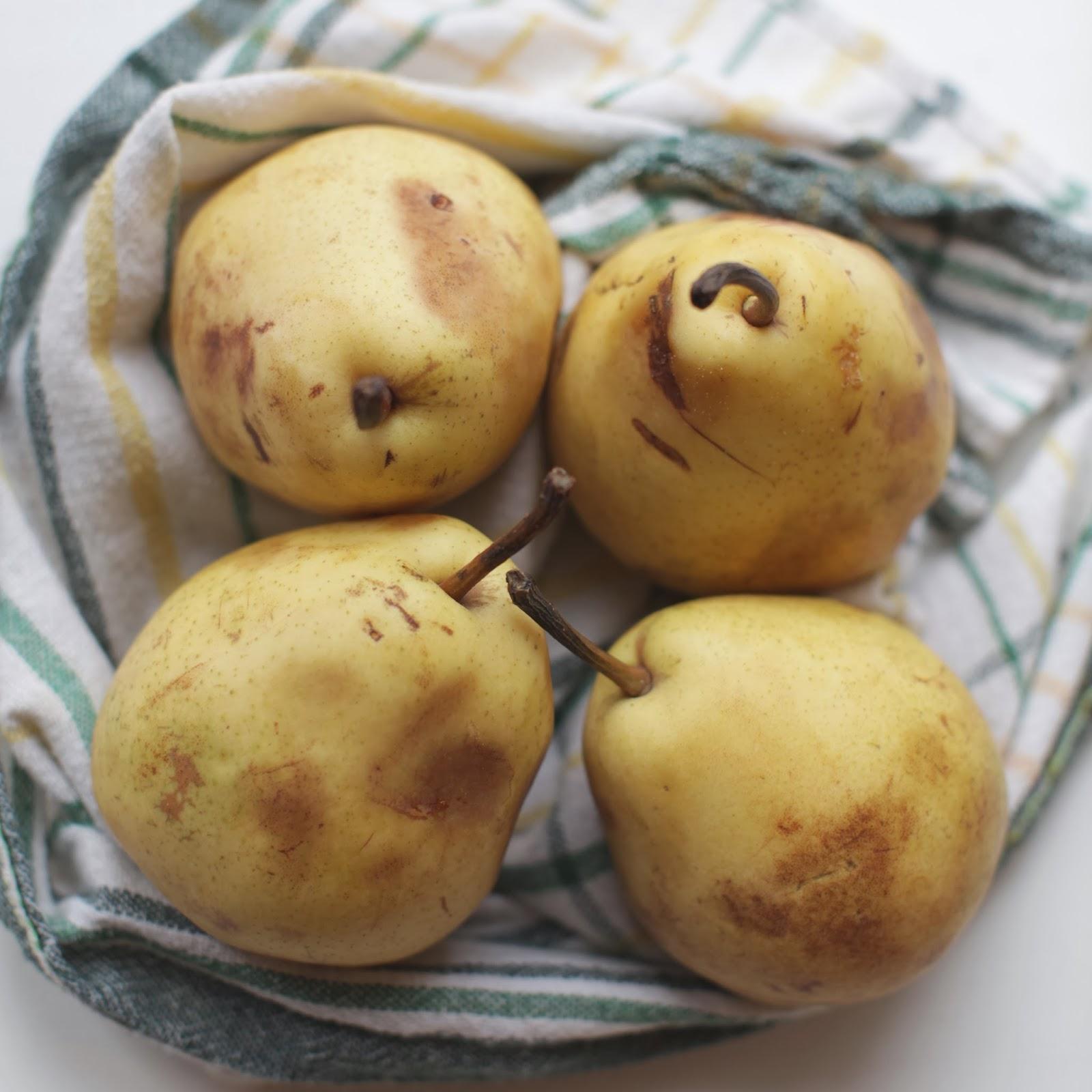 migdałowa tarta z gruszkami