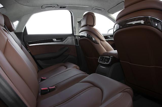 задний диван Audi A8 Hybrid 2012 года