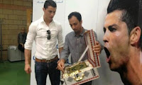 Cristiano Ronaldo dapat hadiah Mushaf Al Qur'an