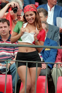 Italy Sexy Fan Euro 2012 on Stadium
