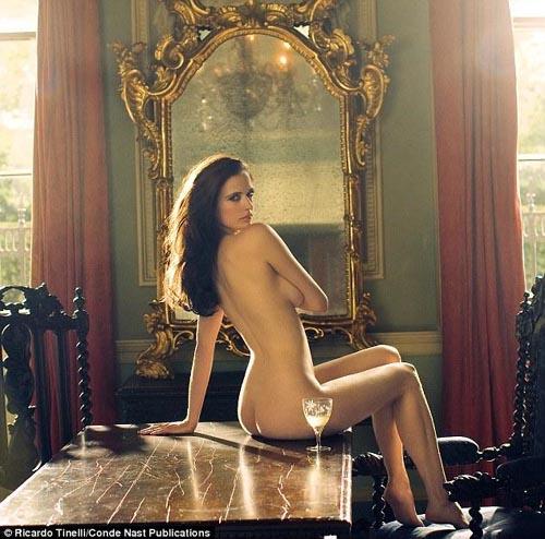 Casino Royale, Kingdom of Heaven , Camelot's Eva Green hot pics, ...