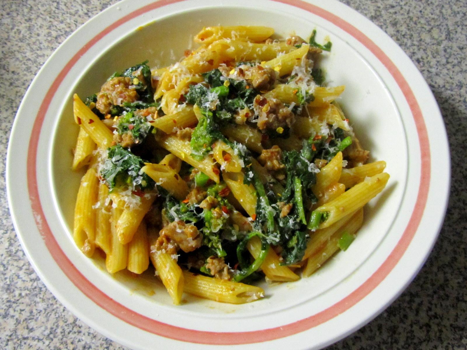 Alosha's Kitchen: Pasta with Sausage and Rapini