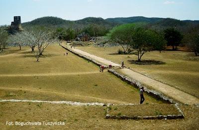 Sakbe w miejscowości Labna na Jukatanie