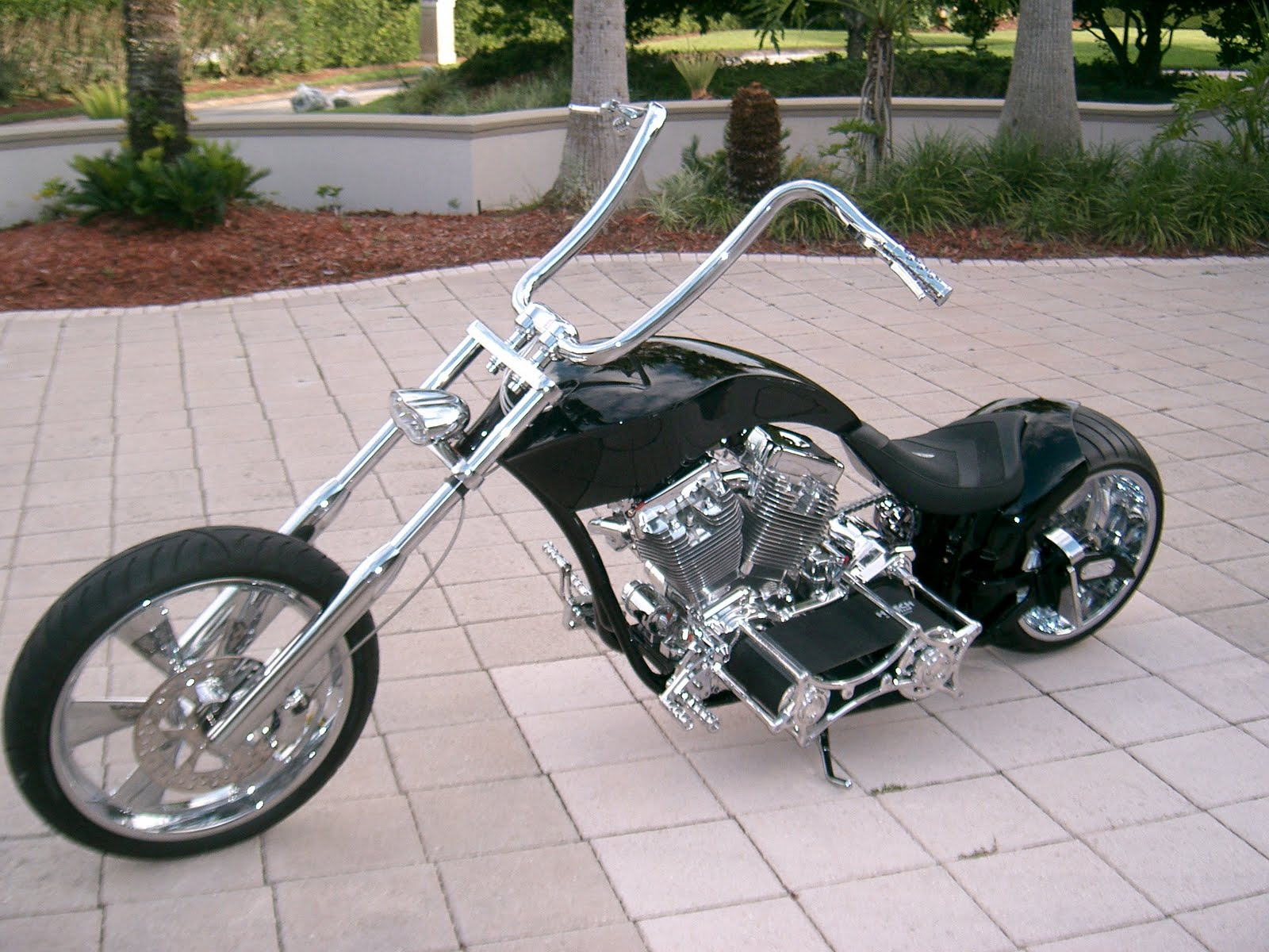 Auto Zone For Speed Lovers Modified Bikes Customized