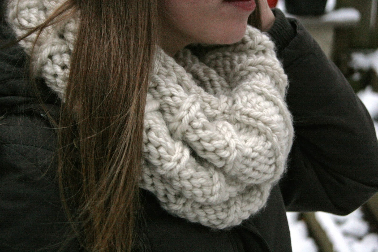 Infinity Scarf Knitting Pattern Lion Brand : Knitted Infinity Scarf - The Surznick Common Room