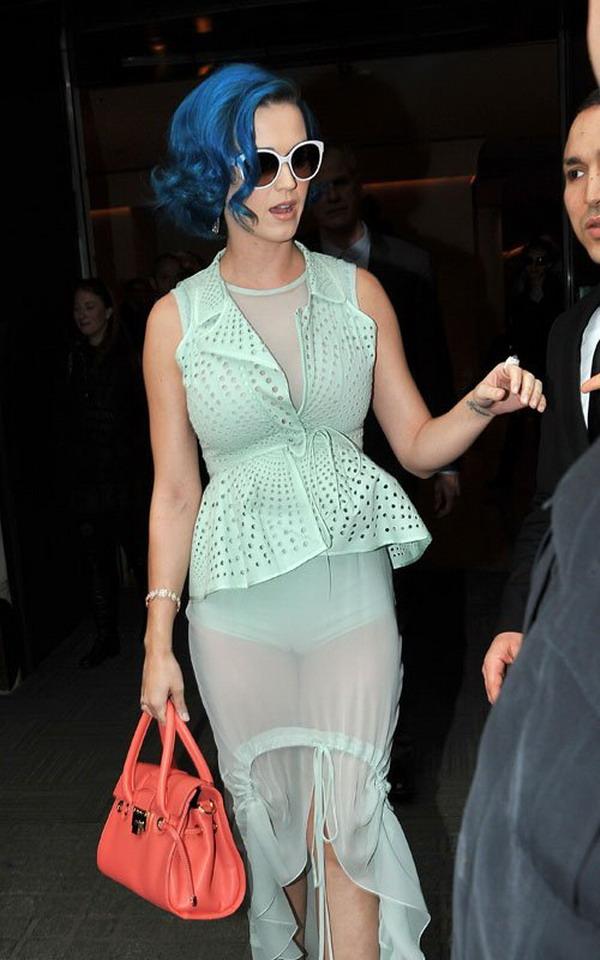 Sexy Prom Dress: Katy Perry wear light green dress at Paris Fashion Week