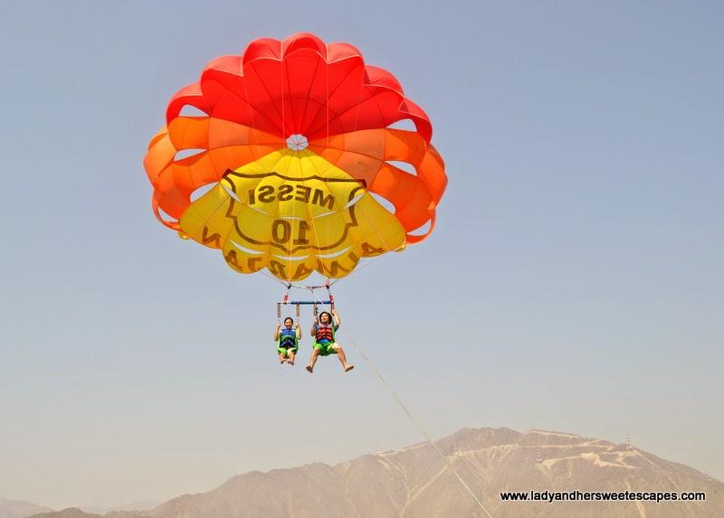 parasailing in Khorfakkan Corniche