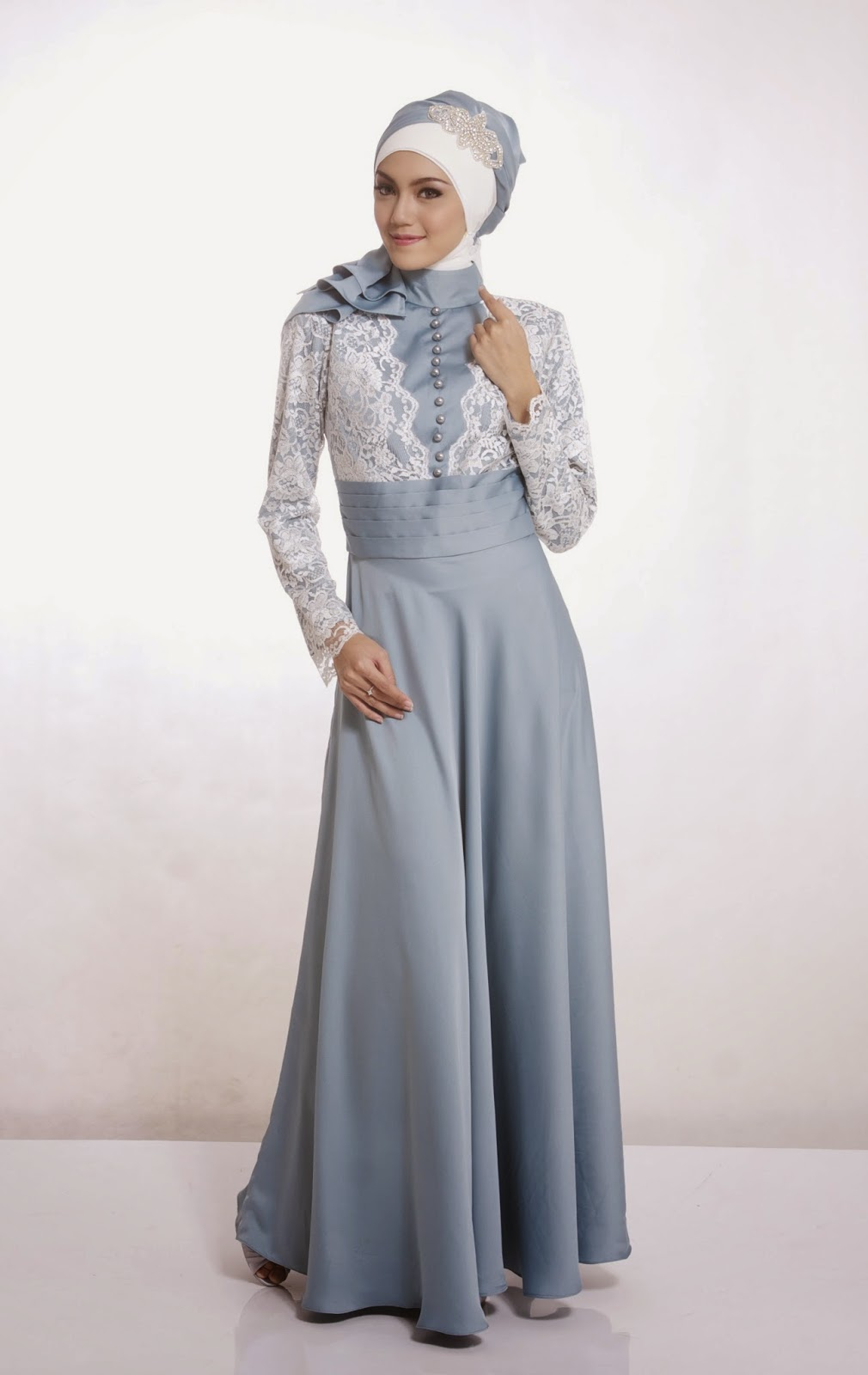 gaun pesta muslim biru