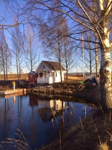 Badehus til leie med kano og padlebrett.