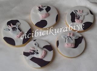 inek şeklinde kurabiye,inek kurabiyeler,inekli kurabiyeler