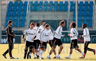 ريال مدريد سيعود لتدريبات من جديد يوم الجمعة  385915_446934424952_19034719952_1509140_184759944_n