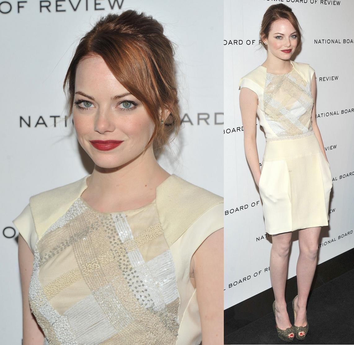 http://2.bp.blogspot.com/-uSgvuuzzqtg/Tw4AIp7cENI/AAAAAAAAEA4/isX5ba3gHt8/s1600/Emma+Stone+In+J.+Mendel+Pre+Fall+2012+-+2012+National+Board+of+Review+Awards+Gala.jpg