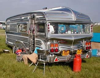 http://2.bp.blogspot.com/-uSt1rBq2ZJg/TwS-l7eECrI/AAAAAAAAAw0/rvkujjwGAug/s400/sh+tty+caravan.jpg