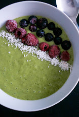 AIP MATCHA TEA SMOOTHIE BOWL