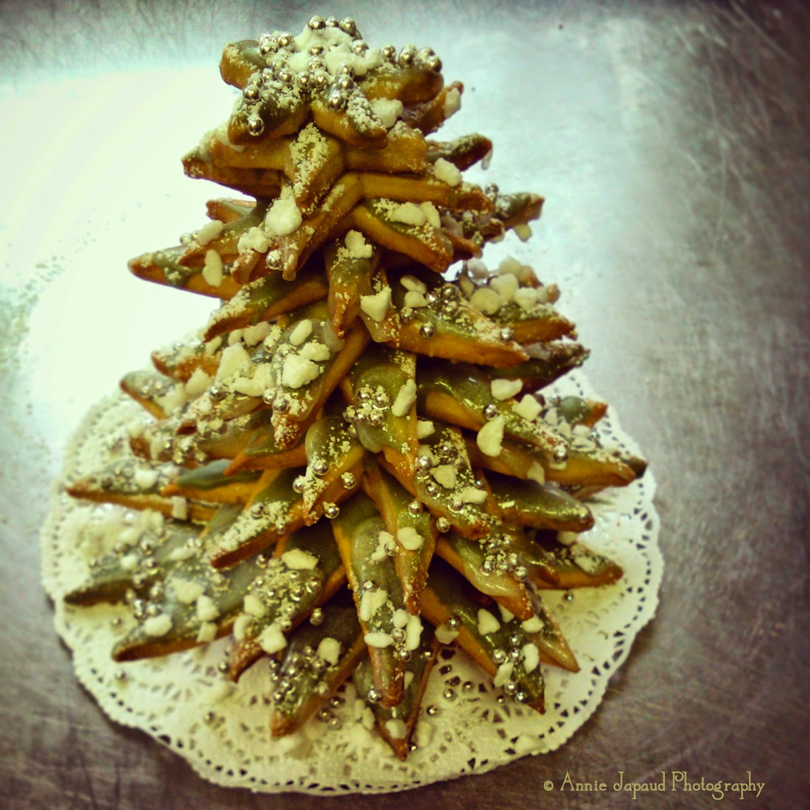 a Christmas tree made of cookies