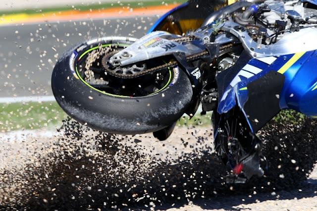 MotoGP 2016 : Pembalap MotoGP masih butuh waktu untuk memahami Michelins . . .