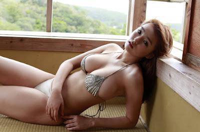 foto Bogel ai shinozaki pakai bikini toge