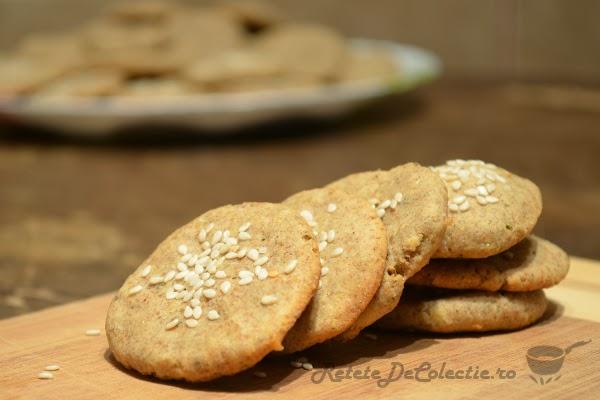 biscuiti secara salvie cascaval