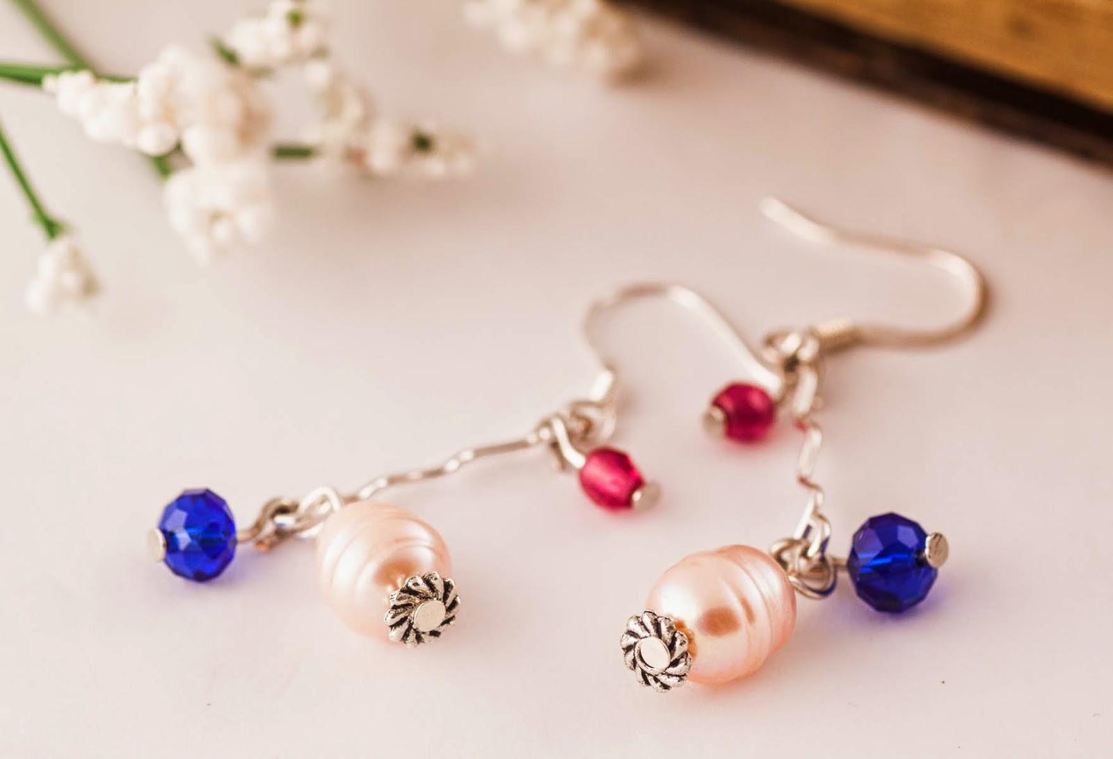 http://www.pinkbijou.com/index.php/pendientes-perla-y-cristal/