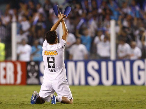 Elano faz dois na goleada do Santos na Libertadores