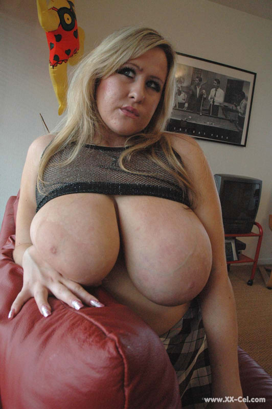 bra busters leah jayne has huge natural veiny tits