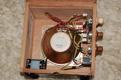 totalrojo guitars amp building how to for cigar box guitars and for a closer look at the detail of the amps i build please go to the right hand column of the home page scroll down to the amplifier logo