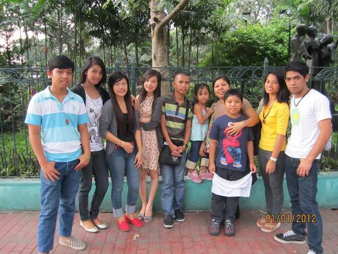 Spending the First day of the Year wtih friends at Luneta
