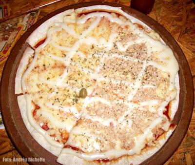 Giovanis Pizza: Pizza meia Quatro Queijos meia Frango com Catupiry
