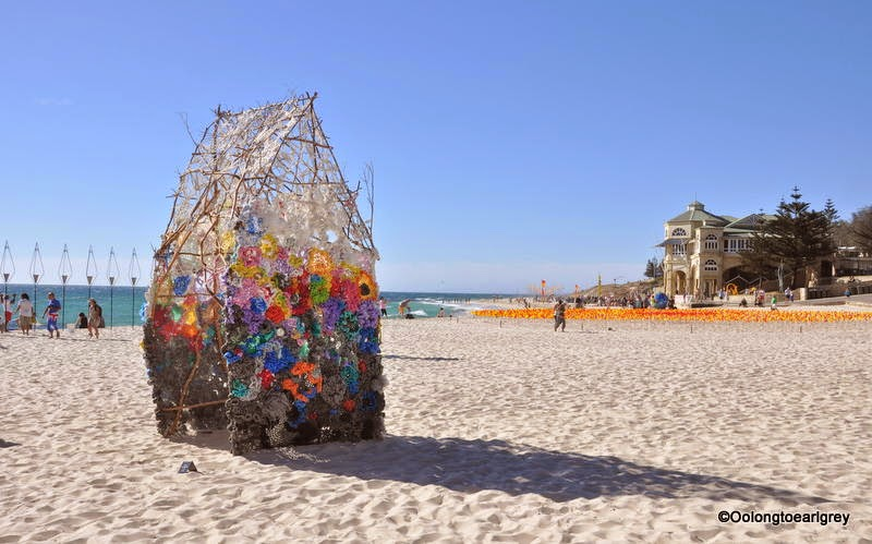 Sculpture by the sea, Cottesloe 2014, rescheduling permanence