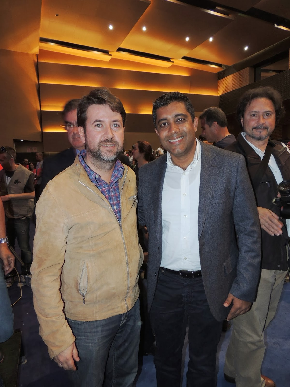 Girish Aidasani director de ROBOTIX Canarias junto al Presidente del Cabildo de Tenerife D. Carlos Alonso