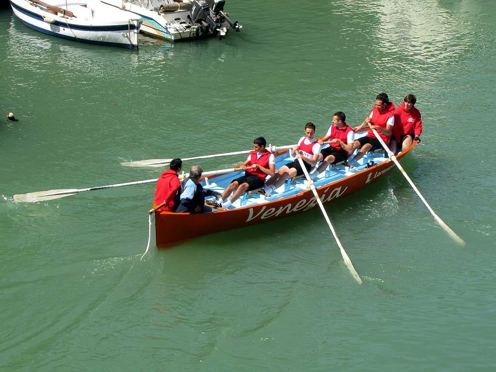 Gozzetta, younger rowers of Venezia, Fosso Reale, Livorno